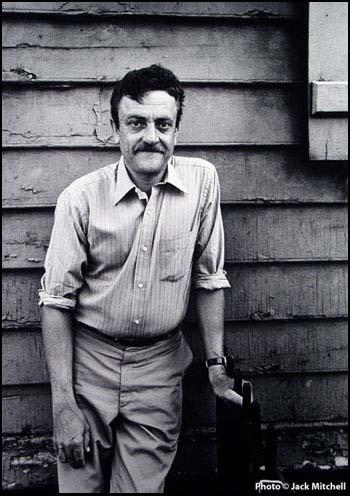 Vonnegut s Slaughterhouse-Five as an Antiwar Novel
